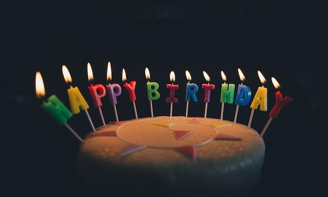 D'où vient la tradition du gâteau d'anniversaire ?