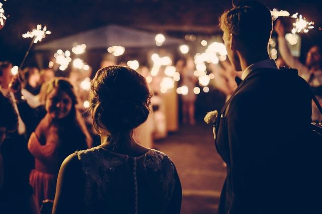 Une chanson surprise pour les mariés